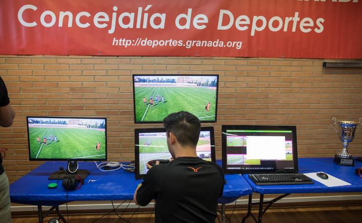 Árbitros de la liga árabe se examinan en Granada sobre las reglas del vídeoarbitraje