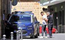 Buscan a un 'espontáneo' que se sumó al linchamiento de policías en Linares