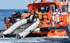 La oleada migratoria en las costas andaluzas desborda los servicios de atención