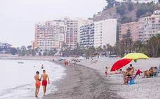 Velilla, una de las playas con más ocupación de Almuñécar