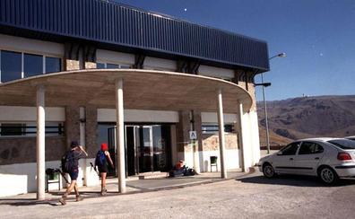 Jóvenes europeos mejoran su formación en Sierra Nevada como voluntarios en asociaciones andaluzas
