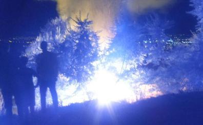 Extinguido el fuego que ha quemado unos 200 metros de matorral en San Miguel Alto