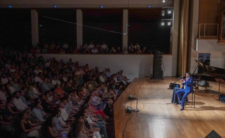 El público se rinde a Diego 'El Cigala'