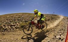 Luis Zarco recupera el trono en el descenso del Sierra Nevada Bike Park