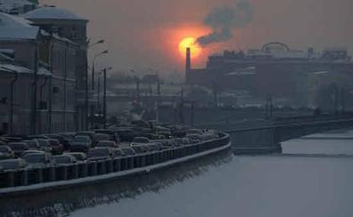Tres hermanas matan a su padre a puñaladas y martillazos en Rusia por presuntos malos tratos