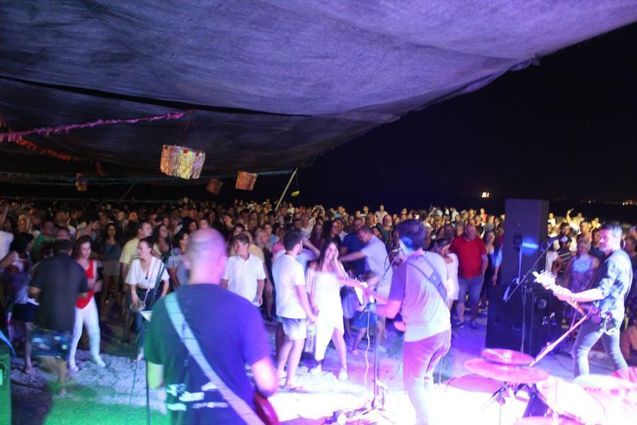Fiesta en la playa de Torrenueva