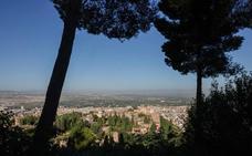 Un cerro asolado, un valle paradisíaco y un palacio con nombre de silla