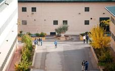 Los internos de la prisión de Albolote volverán a disfrutar de la piscina hasta el 15 de septiembre