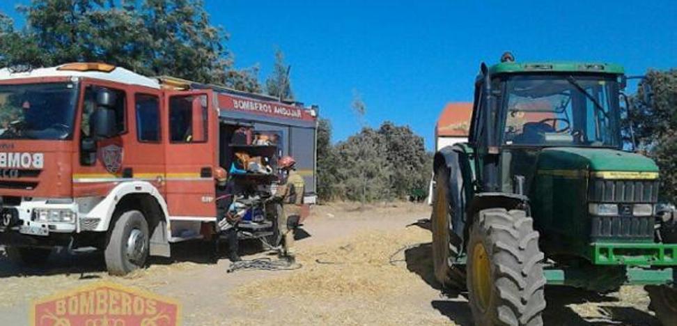 Fallece tras caerle encima un tractor en Santiago Pontones