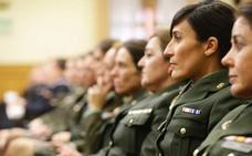 La Fiscalía ve discriminación en exigir a mujeres una estatura mínima igual que a hombres para entrar al Ejército