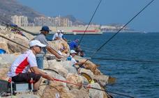 Las mejores playas y cebos para pescar en Granada en verano a criterio de los campeones