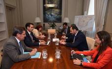 «Es una vergüenza que nos hayan engañado todo este tiempo», asegura el alcalde sobre Moreda