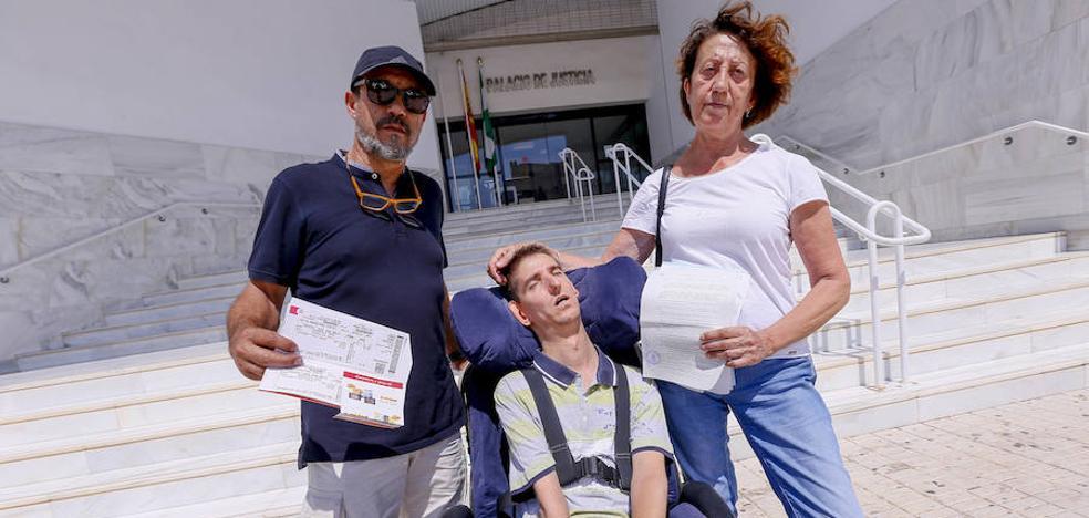 «Nos sentimos humillados, tirados en la bodega del barco de Melilla»