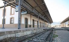 El Gobierno reabrirá la línea de tren de Moreda tras más de 3 años de aislamiento ferroviario