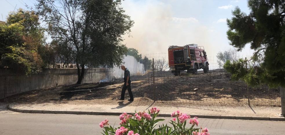 Los vecinos de Monteluz sufren su segundo incendio en un solo día