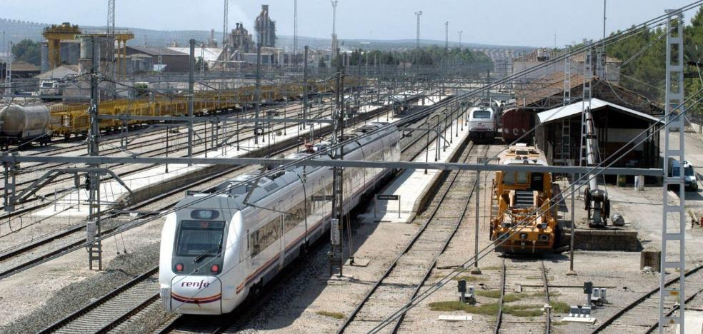 La provincia tendrá una nueva conexión de tren diaria con Madrid y recupera la de Granada