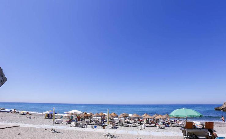 Todo lo que debes saber sobre la playa de Cantarriján