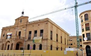 Se retoman las obras en el Palacio Consistorial de Linares tras el accidente laboral mortal