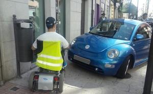 Esta es la multa que te puede caer si aparcas en la acera