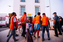 Trasladan a Motril a 153 inmigrantes de los 412 rescatados en Alborán