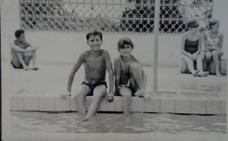 «El verano empezaba cuando llegaban mis tíos para quedarse con nosotros varias semanas»