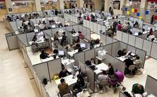 Los funcionarios cobrarán una paga de 300 euros el día 25 por los atrasos de la subida de sueldo