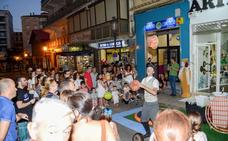 La cultura se adueña de la calle en la Noche en Blanco de Guadix