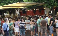 Multas de 750 euros por ir sin camiseta durante la Feria de Almería