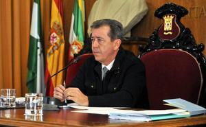 El alcalde de Linares no dimitirá tras su expulsión del PSOE por razones «absolutamente falsas»