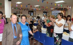 El Ayuntamiento de Alpujarra de la Sierra homenajea a los matrimonios que cumplen este año sus bodas de oro