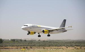 Vueling cancela tres vuelos Barcelona-Granada en apenas 24 horas