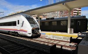 Denuncian que Renfe cambiará los trenes de Granada a Almería por otros más antiguos