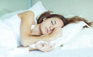Esta es la forma en la que debes dormir si quieres presumir de salud