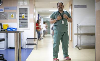 «Después del tumor pensé: '¿Qué hago con mi vida?' Y saqué la carrera de Medicina»
