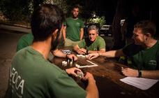 Así transcurre una noche de guardia con el Infoca en el Cedefo de Sierra Nevada