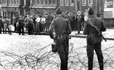 Berlín se despierta dividida