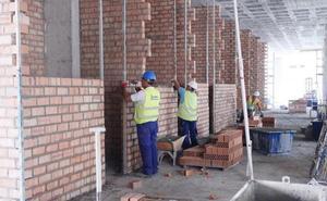 28 técnicos de Urbanismo darán salida a los 345 expedientes por resolver que acumula el Ayuntamiento de Granada