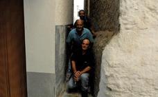 La calle más estrecha de España está en Soportújar