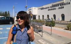 Juana Rivas dice antes de viajar a Italia que lo primero es dar a sus hijos una «vida libre de violencia»