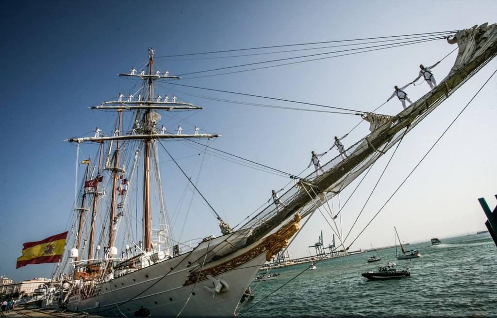 El 'Juan Sebastián de Elcano' alcanza la posición más austral en su historia