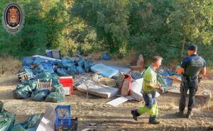 Desalojan 25 tiendas de campaña de la Fuente del Avellano