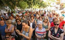 Personas de toda España colaboran con la familia de la joven asesinada para sufragar el entierro