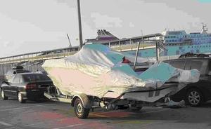 La Guardia Civil recupera en el puerto de Almería una embarcación robada en Francia