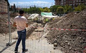 Agentes policiales vigilarán el yacimiento arqueológico del Zaidín para evitar más robos