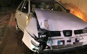 Se estrella contra una farola en Andújar cuando triplicaba la tasa de alcohol