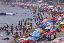 Lleno en la playa de San Cristóbal durante el 15 de agosto