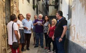 Vecinos y PSOE alertan de un nuevo edificio en riesgo de derrumbe en el casco histórico