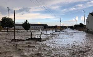 El lodo vuelve a cubrir Valderrubio... y ni siquiera llovió