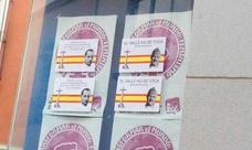 Pegan imágenes de Franco en la sede de IU en Huércal de Almería