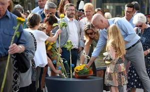 El homenaje a las víctimas, en imágenes
